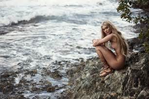 one thought on elsa hosk naked 6 photos