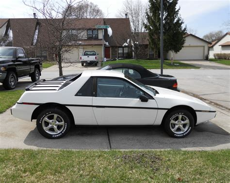 1984 Pontiac Fiero by 1984 Pontiac Fiero Information And Photos Momentcar