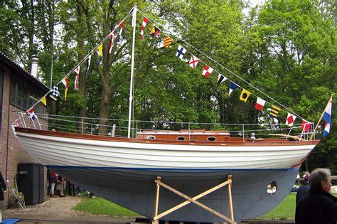 houten zeilboot nieuwbouw houten zeiljacht
