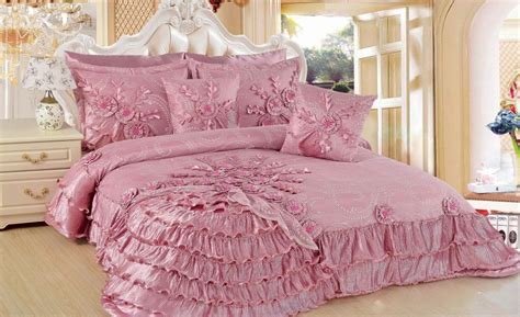 Dusty Pink Bedding Set With Floral And Ruffle Ornaments Pink Ruffle Bedding