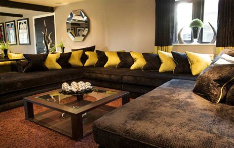 decorating living room with sectional sofa living room decorating ideas brown sofa room decorating