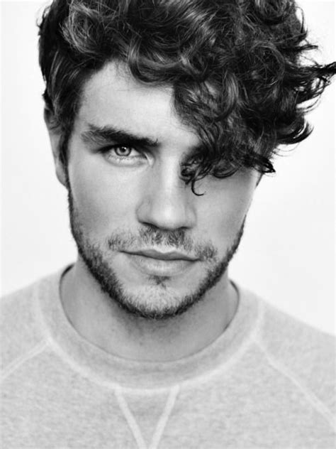 hairtstyles for tan people men mens hairstyles 1000 ideas about men curly hair on