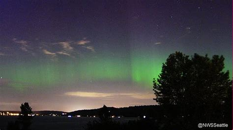 Northern Lights Seattle national weather service shoots of stunning northern lights display in seattle abc7news
