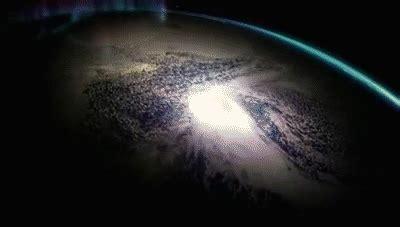 imagenes gif universo viaje a los limites del universo hd es natgeo on make a gif