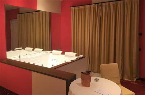 hotel con a tema 10 hotel con camere a tema in lombardia da provare