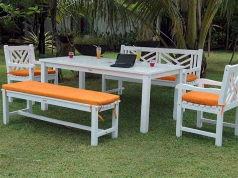 crazy for color trendy and colorful outdoor furniture