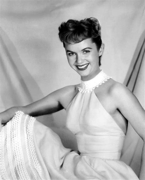 debbie reynolds picture 2 debbie reynolds at a photocall it s the pictures that got small the friday glamour 15