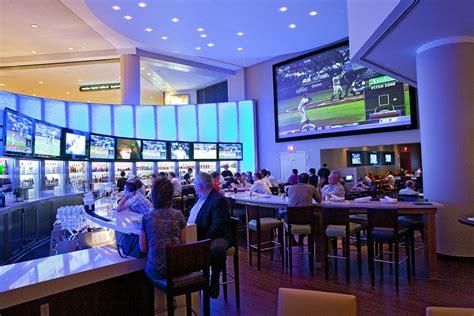 el champions sports bar de boston acoge el videowall