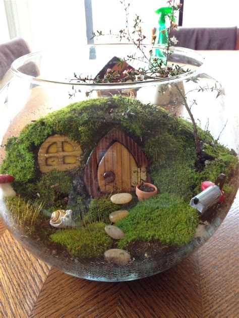 mhaircuta to give an earthy style the quot hobitat quot hobbit terrarium terrariums bonsai