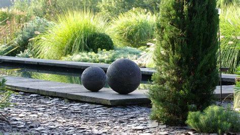 deco de jardin moderne boule en b 233 ton d 233 coration de jardin d 233 co gris b 233 ton inspiration