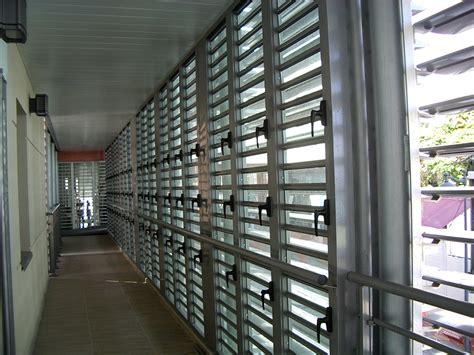 fenetre jalousie verre jalousie mixte lames orientables verre et aluminium