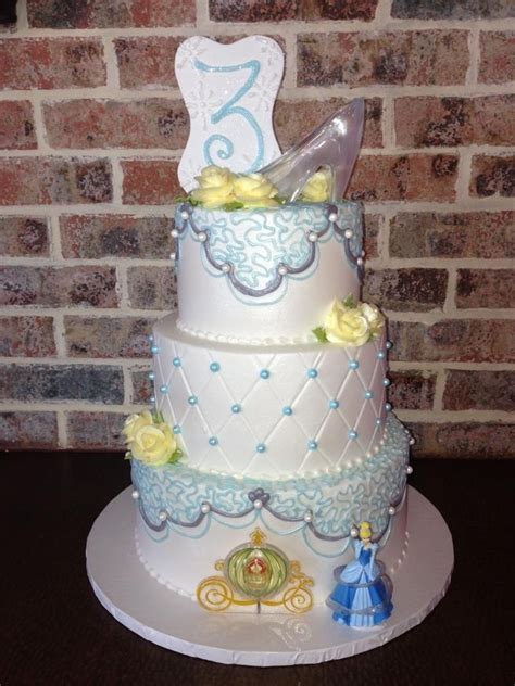 cinderella baby shower cakes 122 best images about cinderella cakes on