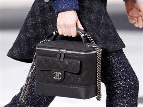 The Chanel Handbags For This Fall by Chanel Fall 2013 Is An Ode To Bag Everywhere