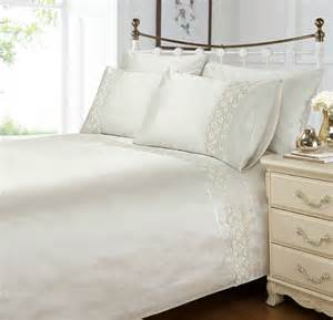 white colour stylish duvet cover luxury beautiful lace