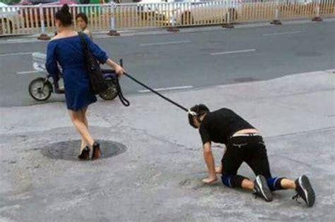 Tali Untuk Peliharaan Anjing Tali Anjing edan wanita ini mengikat leher kekasihnya dan menuntunmya dengan tali seperti anjing 2018