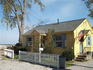 lakefront cottage with vrbo