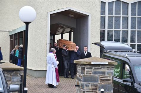 woods mortuary hundreds attend funeral of second farmer killed in tyre
