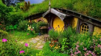 hobbit hole hobbit hole 1920x1080 1447345
