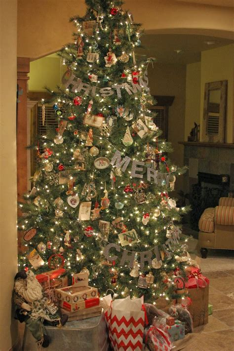 time   lives merry christmas tree garland