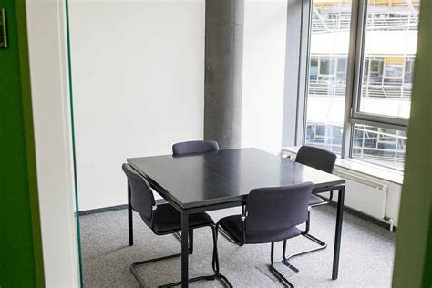Bewerbungsgesprach Qm Blick In Einen Kleineren Konferenzraum Am Startplatz Koeln