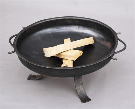 feuerschale geschmiedet feuerschale aus stahl 3mm mit geschmiedeten beine
