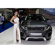 Beautiful Sexy Presenter With Range Rover Evoque At The 3