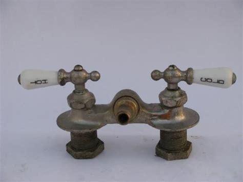 Vintage Bathroom Fixtures For Sale Antique Claw Foot Bath Tub Vintage Faucet W Porcelain Teardrop Taps