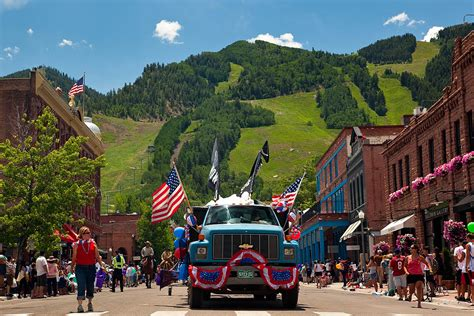 america s coolest small towns 2013 vote for aspen coolest small towns 2013 aspen co chamber