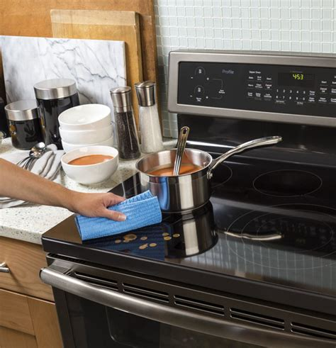 What Does Oven Cleaner Do To Countertops by Cleaning Options For Your Gas Or Electric Oven From Ge