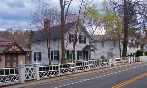 New Homes Interior File Main Street Roslyn Ny Jpg Wikimedia Commons