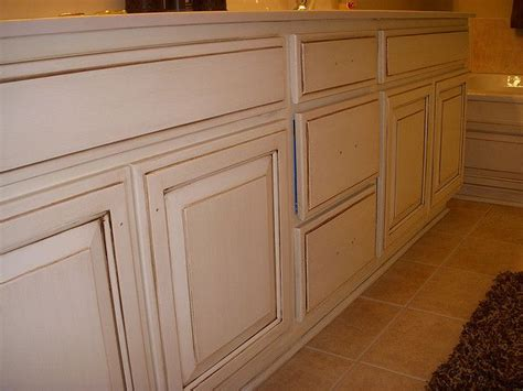 cream kitchen cabinets with chocolate glaze cream cabinets with chocolate glaze kitchen pinterest