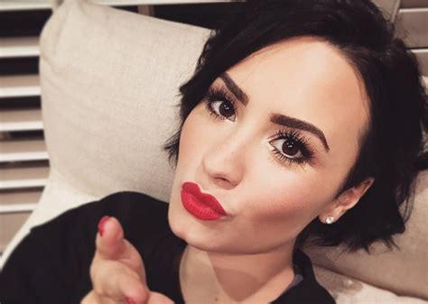 Demi Blasts Pregnancy Rumors by Demi Lovato Blasts Thigh Gap Images Rumorfix