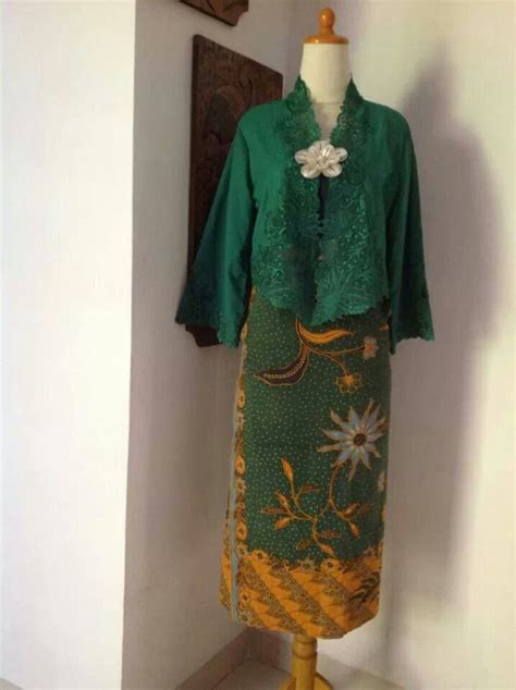 design batik kebaya 193 best ideas about batik on pinterest batik blazer