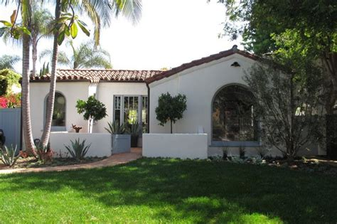 spanish mediterranean architecture bungalow courtyard spanish bungalow spanish style pinterest