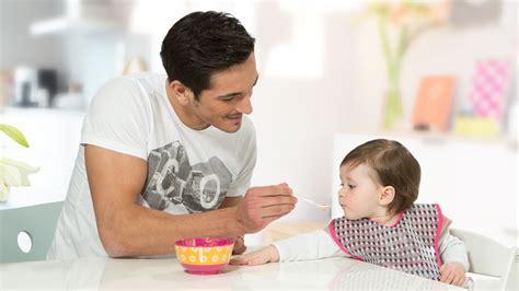 how to wean baby from swing weaning stop breastfeeding medela medela