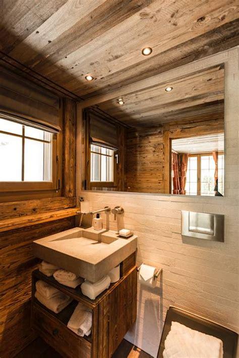 rustikale badezimmerbeleuchtung 9 umwerfende badezimmer im rustikalen stil