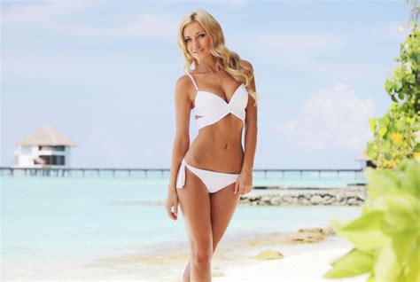 7 Tips For Updating Your Look Style by Pictures 7 Tips For Swimsuit Shopping Best Swimwear To