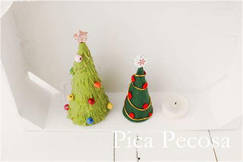 arbol navidad manualidades papel haz mini 225 rboles de navidad diy con cart 243 n reciclado