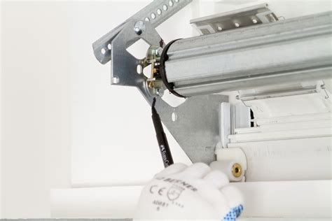 Installer Un Volet Roulant 1833 by Installer Un Volet Roulant Diy Family