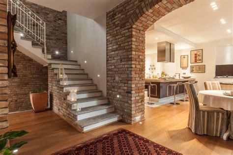 arco in casa arco di mattoni pieni o rivestimento in mattoni