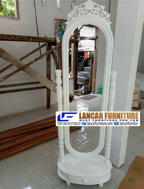 Cermin Goyang Jati Furniture Sofa Nakas Rak Bufet Lemari cermin oval mewah putih lancar furniture lancar furniture