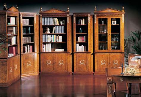 libreria con vetri top libreria classica di lusso porte con vetro varie