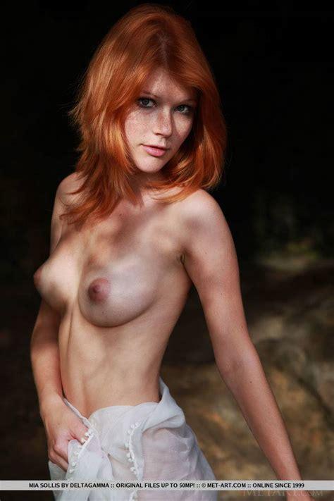 Naked redhead smoking kelly star fucking