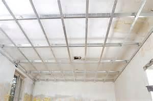 r 233 aliser un plafond suspendu bricolage avec robert