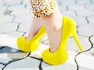 how to walk in heels comfortably چگونه با کفش پاشنه بلند راحت راه برویم