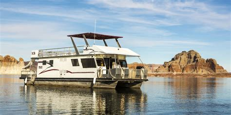 house boat pictures economy houseboat rentals at lake powell resorts marinas