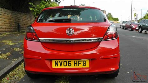 vauxhall red 2006 vauxhall astra 1 4 sxi red