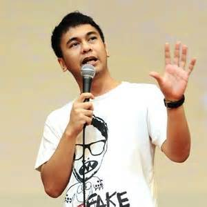 stand up comedy – liavaniadewi