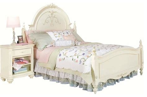 jessica mcclintock bedroom set lea jessica mcclintock 4 piece kids bedroom set with