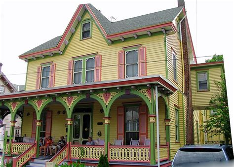 here s a exterior paint color combo for an historic home the yellow siding with light
